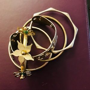 Jewelry - 4/20 Lot of 5 bracelets Mixed Metals